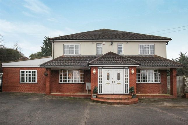 Thumbnail Detached house for sale in Chalk Hill, Dunstable