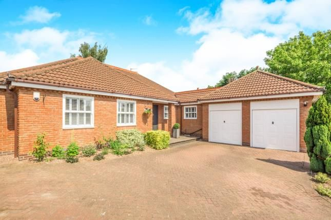 Thumbnail Bungalow for sale in Chapel Street, Shepshed, Loughborough, Leicestershire
