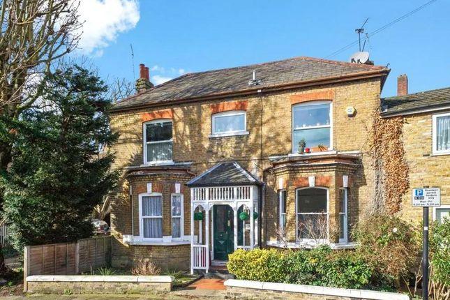 Flat for sale in Glenhurst Road, Brentford