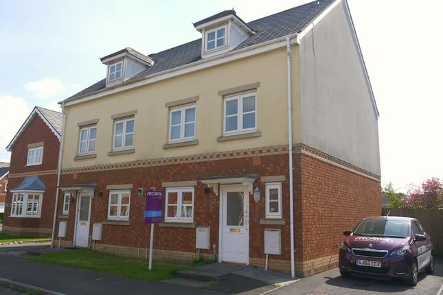Thumbnail Town house to rent in Ger Y Nant, Birchgrove, Swansea