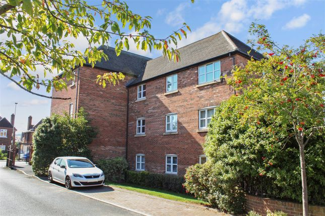 Thumbnail Flat for sale in Vestry Gardens, Gloucester