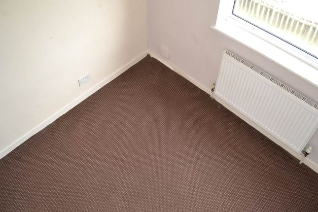 Thumbnail Property to rent in Heysham Drive, Holmewood, Bradford