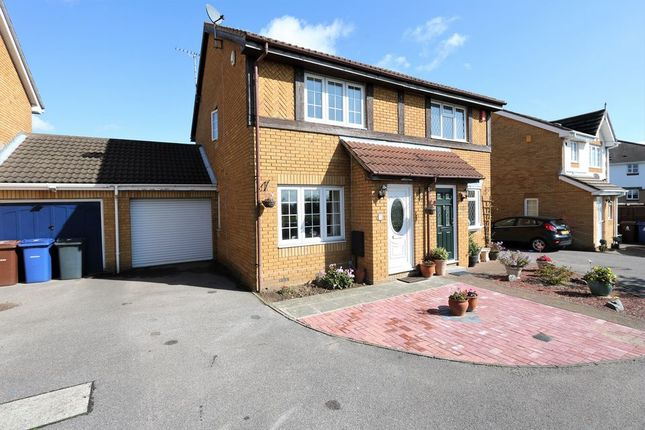 Thumbnail Semi-detached house to rent in Beaufort Close, Chafford Hundred, Grays