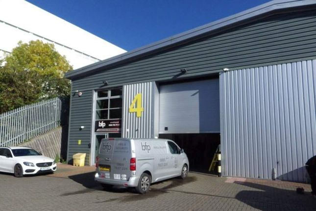 Thumbnail Light industrial to let in Unit 4 The Io Centre, Basingstoke