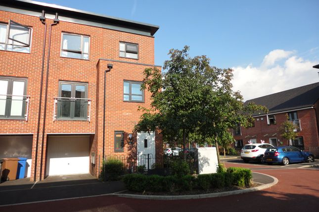 Thumbnail Town house to rent in Oriel Gardens, Salford