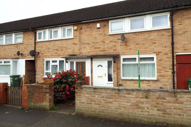 Thumbnail Terraced house to rent in Parry Green South, Langley, Slough