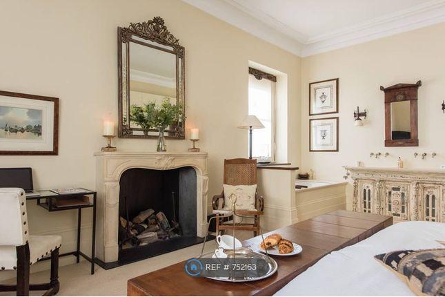 Master Bedroom of Harcourt Terrace, London SW10