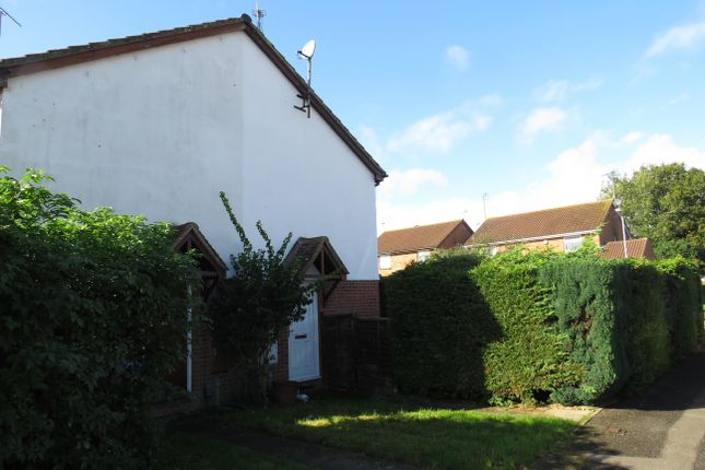 1 bed property to rent in Coppice Way, Aylesbury HP20