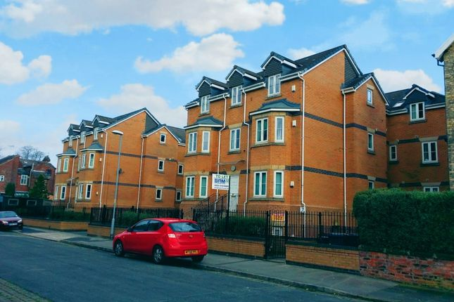 3 bed flat to rent in Mitford Road, Fallowfield, Manchester M14