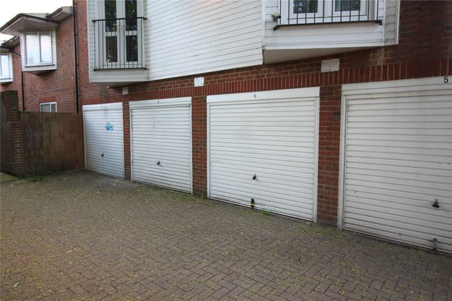 Picture No. 07 of Parkwoods, Rochester Road, Gravesend, Kent DA12