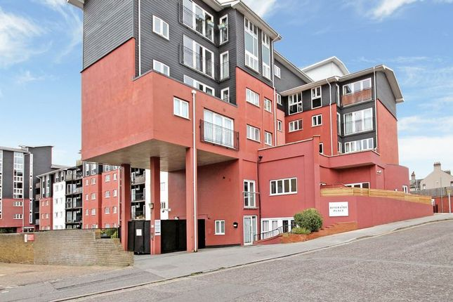 Thumbnail Flat for sale in Lower Southend Road, Wickford