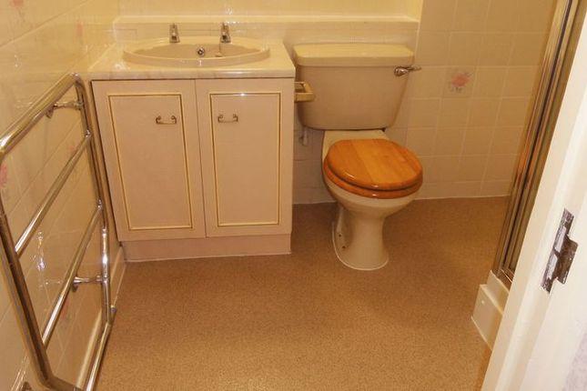 Bathroom of Swn Y Mor, Colwyn Bay LL29