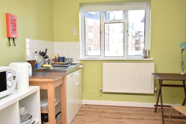 Thumbnail Studio to rent in The Grange, East Finchley