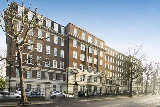Thumbnail Flat to rent in Park Road, Regents Park, London