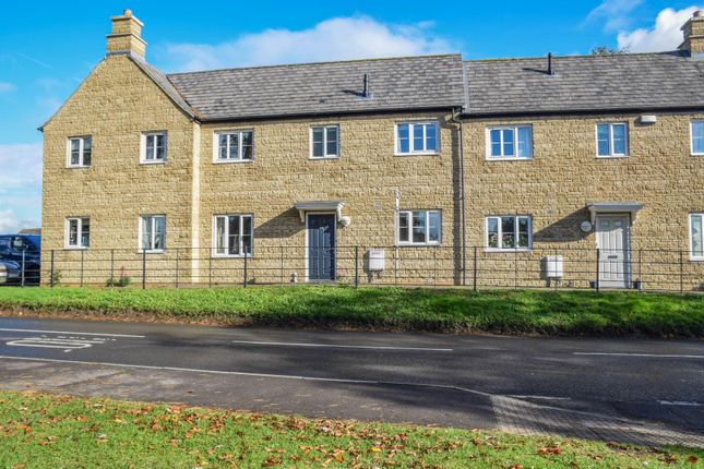 3 bed terraced house for sale in Minot Close, Malmesbury SN16