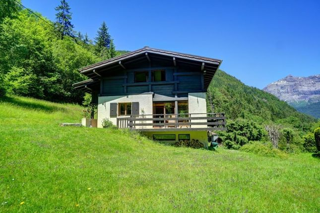 Chalet for sale in Les Houches, Chamonix, French Alps, France