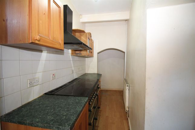 Kitchen of Snowden Road, Shipley BD18