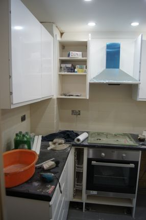 Thumbnail Flat to rent in Browning Street, London