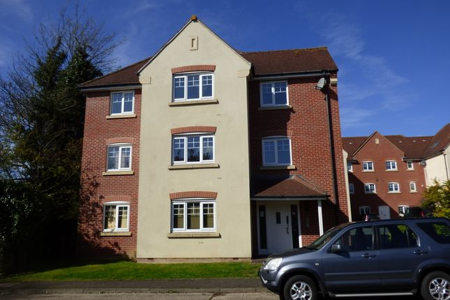 2 bed flat to rent in Staniland Court, Abingdon