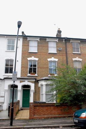 Thumbnail Flat to rent in Lorne Road, London