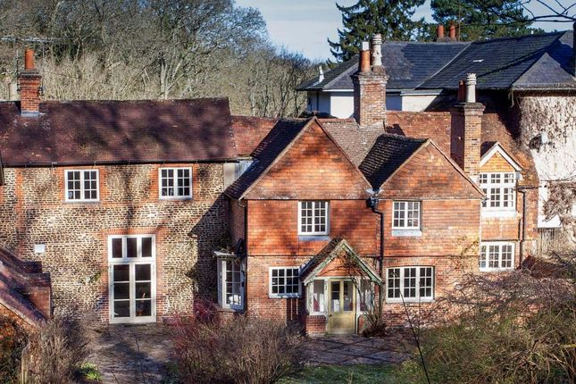 Thumbnail Country house to rent in Old Compton Lane, Farnham
