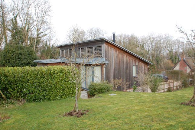 Thumbnail Bungalow to rent in Warren Lane, Priors Dean, Petersfield