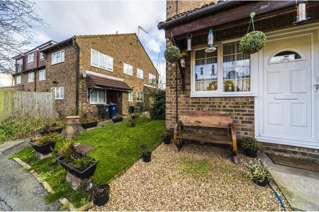 Thumbnail Terraced house for sale in Sawyers Lawn, Ealing