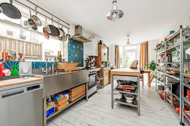Thumbnail Terraced house for sale in Knighton Road, Wanstead