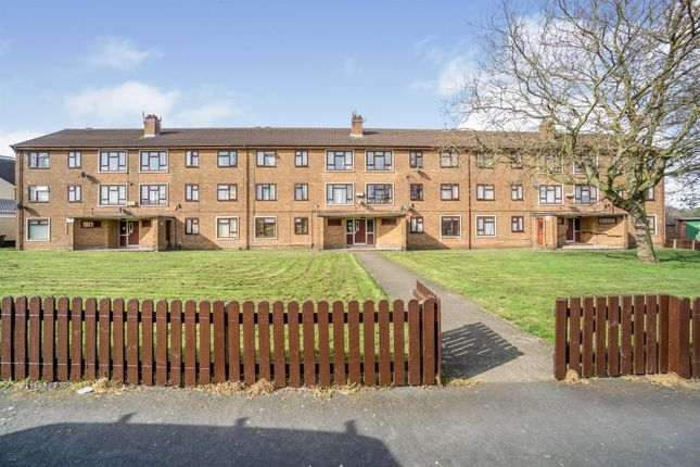 Thumbnail Flat for sale in Berrylands Road, Moreton, Wirral