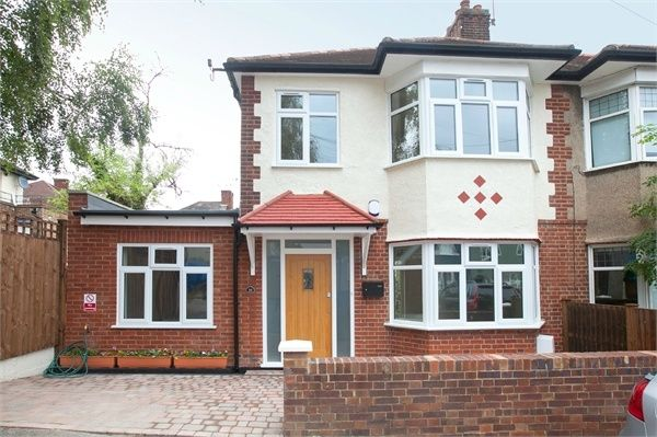 Thumbnail Semi-detached house to rent in Summers Row, North Finchley