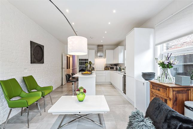 Thumbnail Terraced house for sale in Woodside Road, Wood Green, London