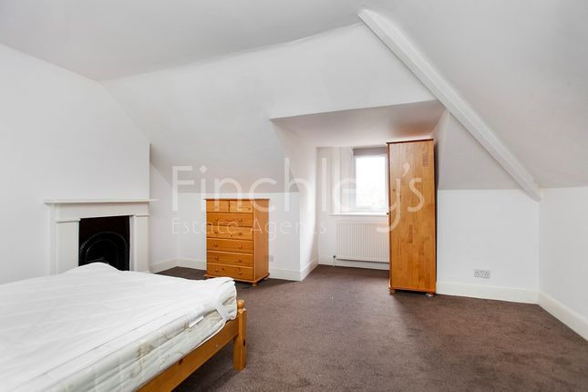 Thumbnail Flat to rent in Colney Hatch Lane, London