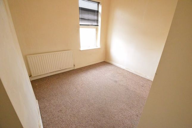 Photo 10 of Ashburnham Road, Luton LU1