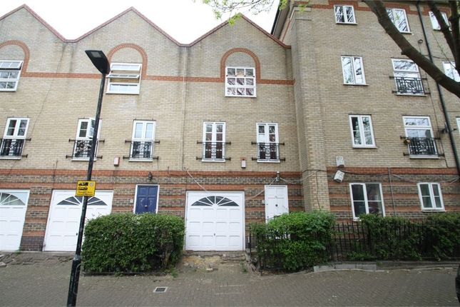 Thumbnail Town house to rent in Viscount Drive, Beckton, London