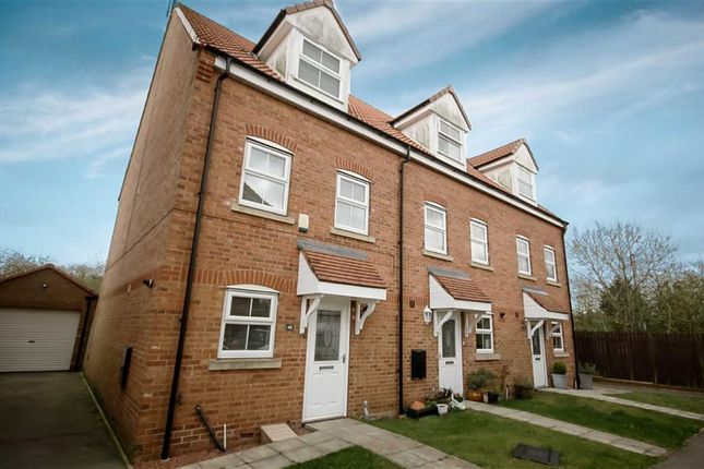 Thumbnail Terraced house to rent in Kings Court, Market Weighton