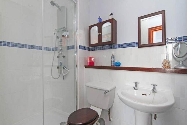 Ensuite Toilet 1 of Johns Place, Edinburgh EH6