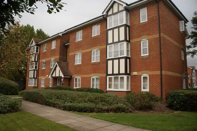 Flat for sale in Redwood Gardens, London