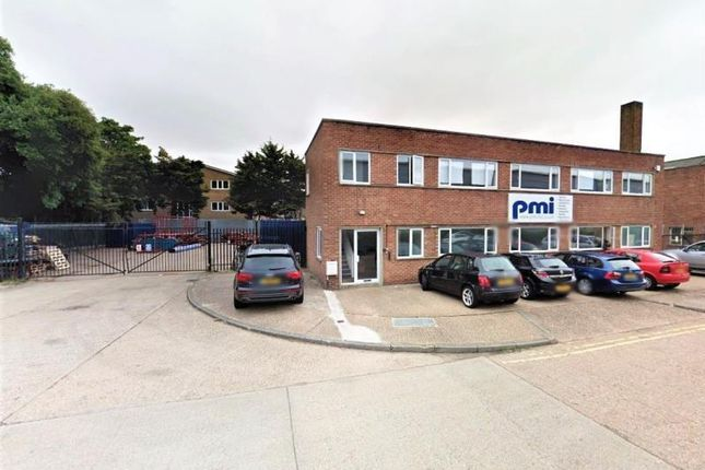 Thumbnail Warehouse to let in Unit 135, Clock Tower Industrial Estate, Clock Tower Road, Isleworth