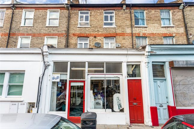 Thumbnail Terraced house to rent in Gillespie Road, London