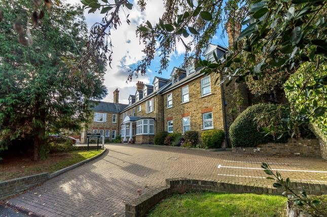 Thumbnail Flat for sale in Hockley Road, Rayleigh, Essex