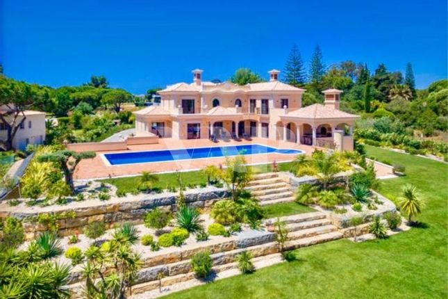Thumbnail Villa for sale in Quarteira, Algarve, Portugal