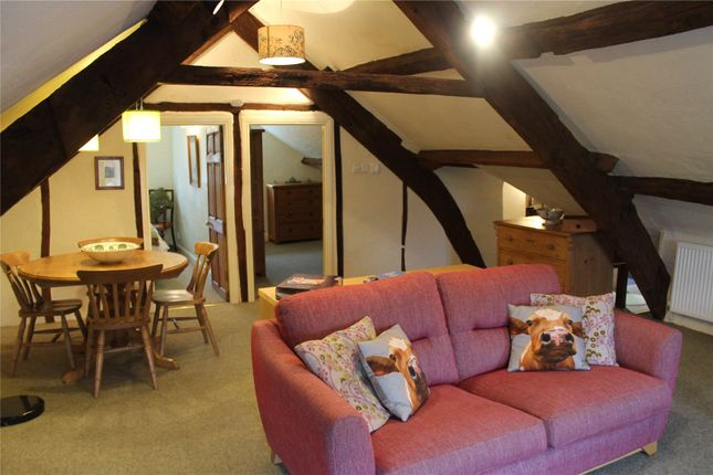 Attic Apartment of Howbarrow Farm, Cartmel, Grange-Over-Sands, Cumbria LA11