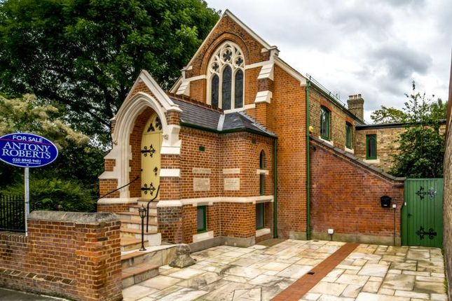 Thumbnail Detached house for sale in Cambridge Road, Kew
