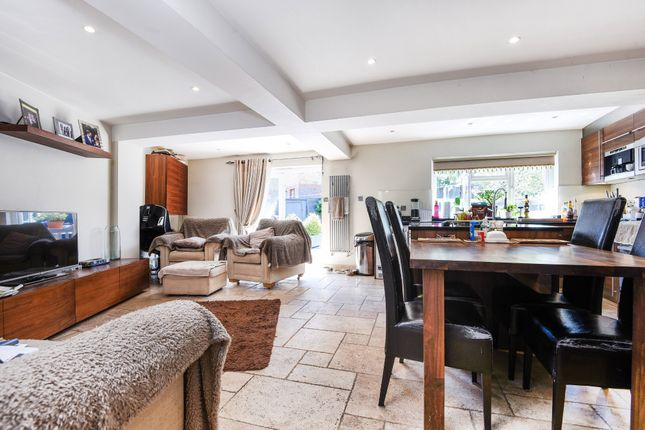 Thumbnail Terraced house for sale in Greenacre Square, London