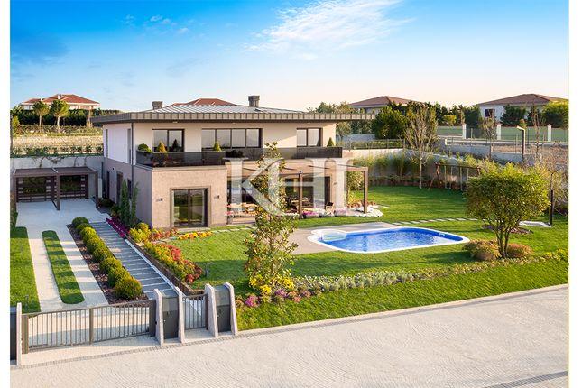 Thumbnail Villa for sale in Büyükçekmece, Istanbul, Marmara, Turkey