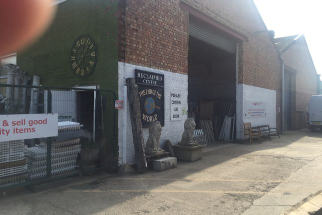 Thumbnail Retail premises for sale in College Road Business Park, College Road North, Aston Clinton, Bucks