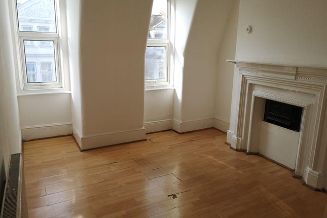 Thumbnail Flat to rent in Gran Parade, Green Lanes, Harringay, Lodon