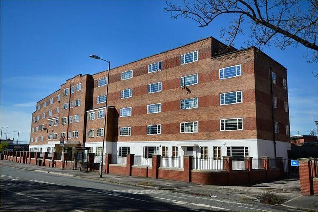 Thumbnail Flat to rent in Wilmslow Rd, East Didsbury