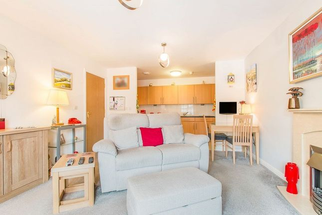 1 bed flat for sale in Gomersall House, Cavendish Approach, Drighlington, West Yorkshire BD11