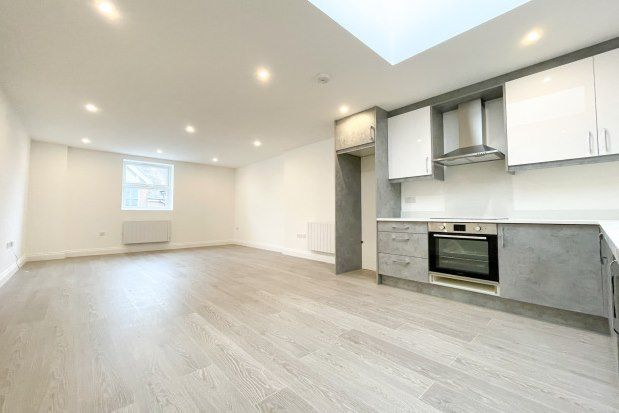 1 bed flat to rent in The Broadway, Crowborough TN6